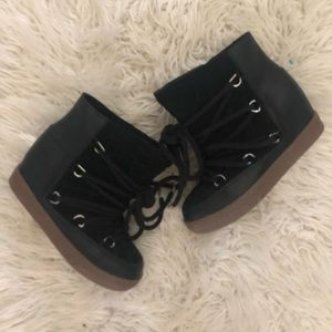 ❤️STEVE MADDEN moon boots with wedge❤️